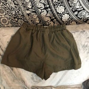 Army green paperbag waist shorts